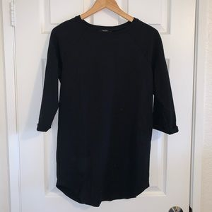 Long length black shirt with 3/4 sleeves